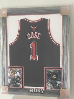 Derrick Rose Authentic Signed Jersey (Framed) COA (PSA/DNA)