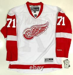 Dylan Larkin Signed Detroit Red Wings Away Jersey Psa/dna Rookie Graph Coa