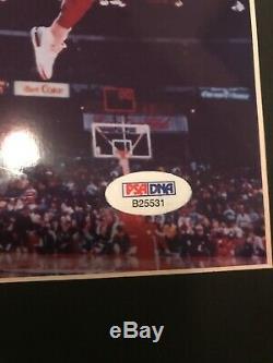 Michael Jordan Autographed Photo 8x10 setup. COA PSA/DNA