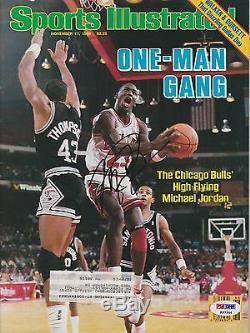 Michael Jordan Signed Chicago Bulls Sports Illustrated SI PSA/DNA COA